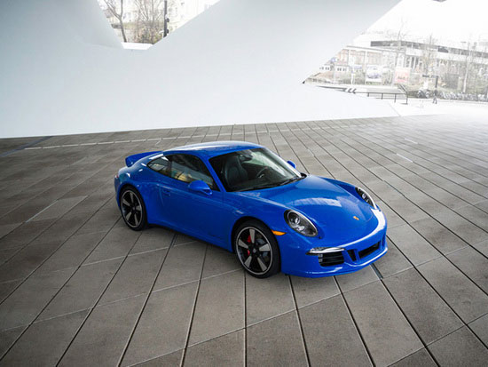New 911 GTS Club coupe
