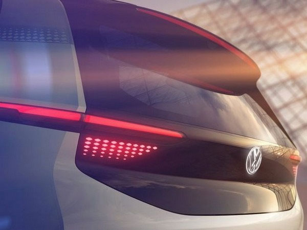 Volkswagen EV Concept Car Photo