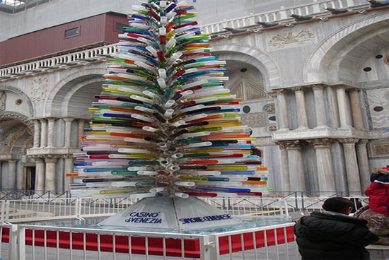 top 10 most unusual christmas trees of 2011!
